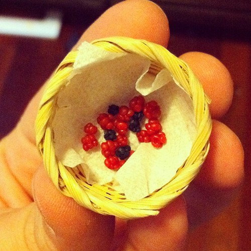 Blackberries and raspberries 1:12 fimo