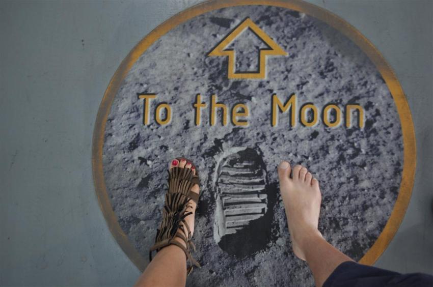 Con éste viaje, casi hemos puesto un pie en la luna ... El último viaje del Transbordador Espacial desde Cabo Cañaveral El último viaje del Transbordador Espacial desde Cabo Cañaveral 5922910440 c6262b69d7 o
