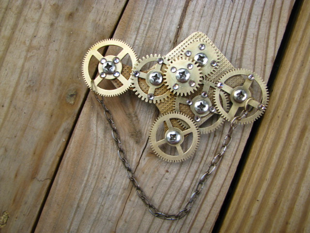 img 2355steampunk brooch with