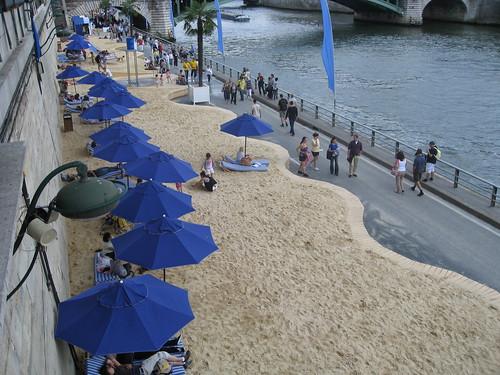 The Seine has a beach!