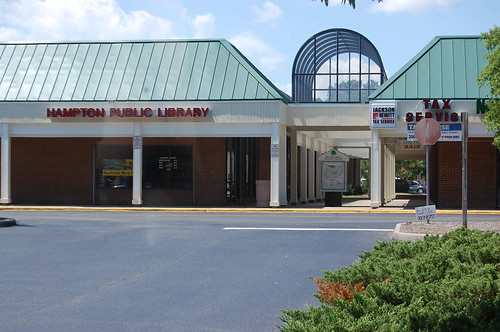 Hampton Public Library, Willow Oaks Shopping Center