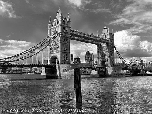 Tower Bridge (B&W)