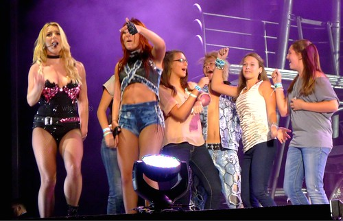 Britney Spears picked up the gals from the crowd