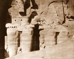 Abou-Sembil - grand spéos - statues colossales vues de face partie inférieure, 1851-2, by Félix Teynard