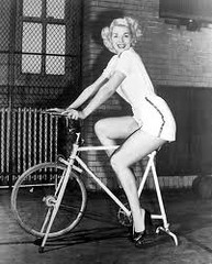 Marilyn Monroe in a Gym in Heels!