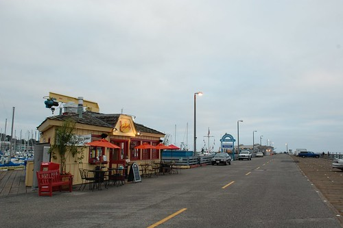 LouLou's Griddle in the Middle (of the pier)