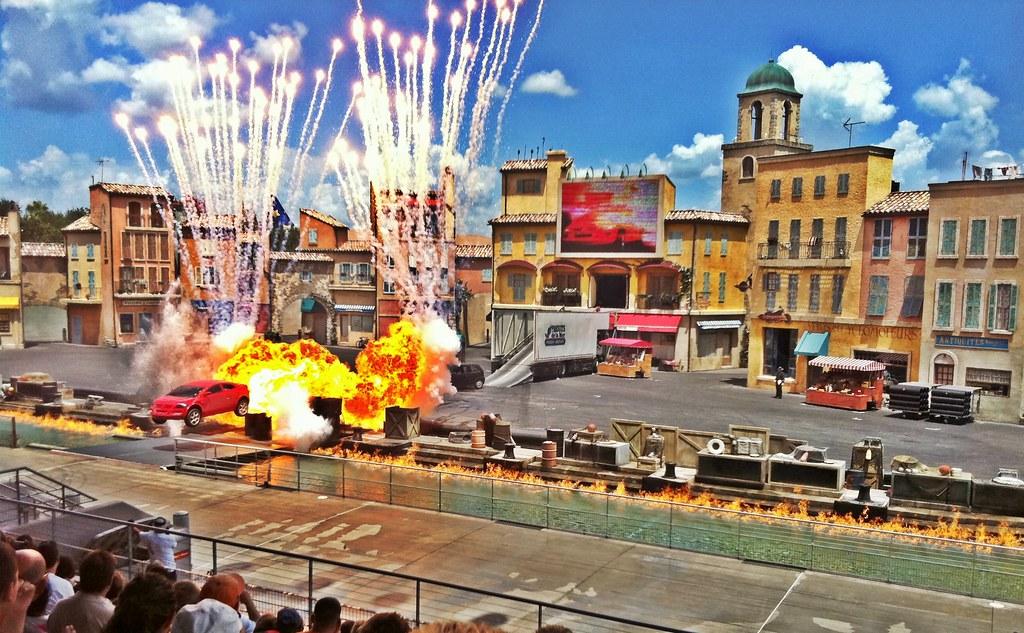 Lights, Motors, Action! Extreme Stunt Show