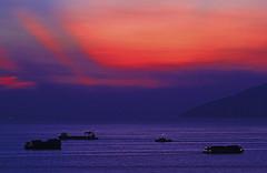 Nim wan : Boats in Afterglow
