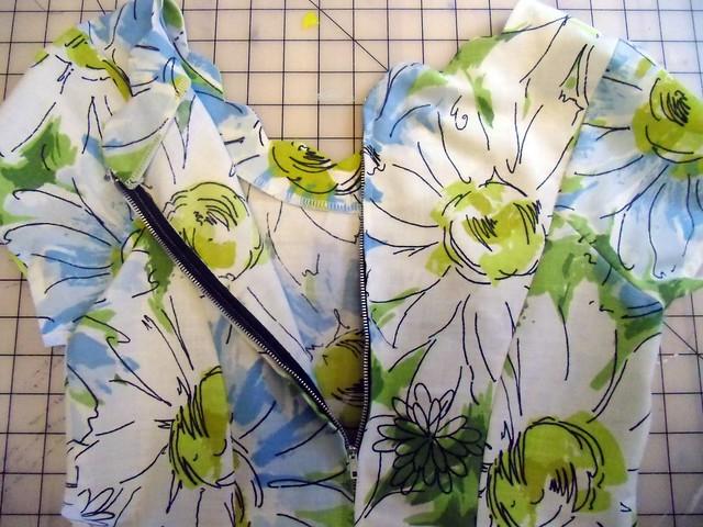 Daisy Sundress - unzipped!