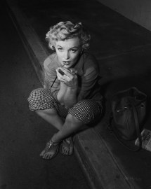 Marilyn-monroe-feet-40406 - Sharing