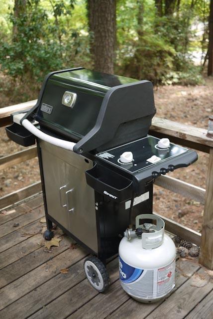 Weber Spirit Gas Grill plus 2 propane tanks  One propane