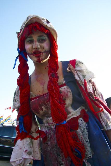 Vancouver Zombie Walk 2011 - Very Raggedy Ann