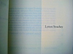 Michael Holroyd, Litton Strachey. ilSaggiatore 2011; [resp. grafica non indicata], alla cop.: Dora Carrington: Lytton Strachey ©the gallery collection/Corbis. p. 5, (part.), 1
