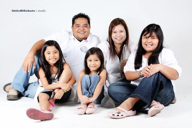 Circles Of Love | Family Studio Portraiture