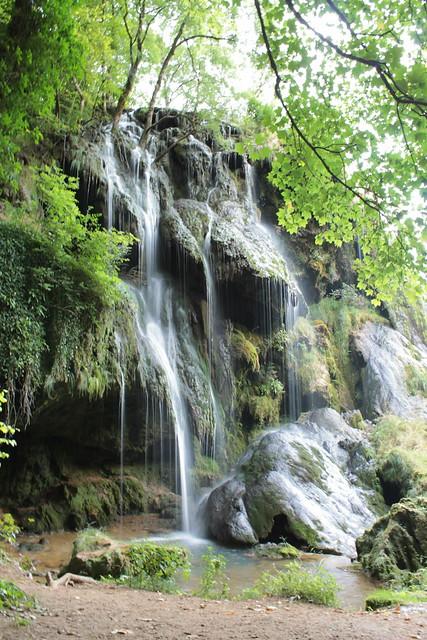 Cascade près des grottes de Baume Les Messieurs