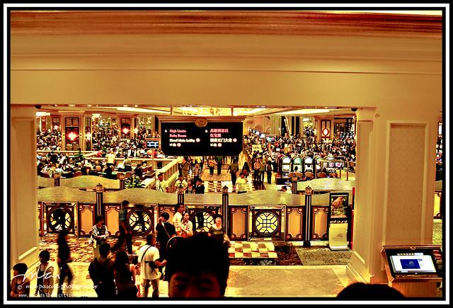 AA and Mai Macau 091 copy