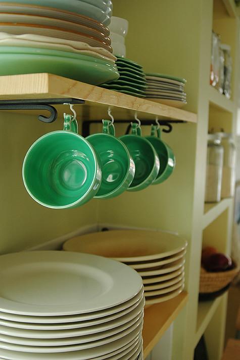 reno-shelves-greencups