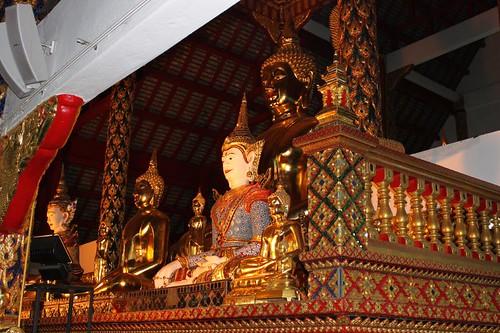20120123_2572-Wat-Suan-Dok-interior