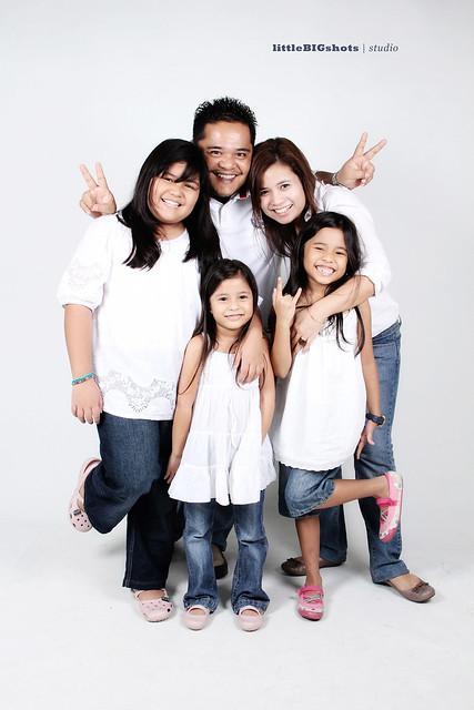 Circles Of Love   Family Studio Portraiture