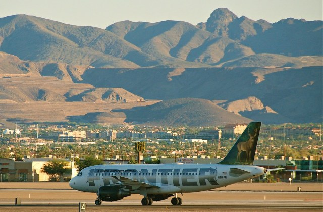 Frontier Airlines Airbus A319-111; N918FR@LAS;09.10.2011/621ex