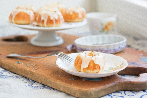 Lemon Lavender Tea Cakes