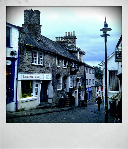 Branthwaite Brow, Kendal, England by pixelsandpaper, under Creative Commons. Click for link.