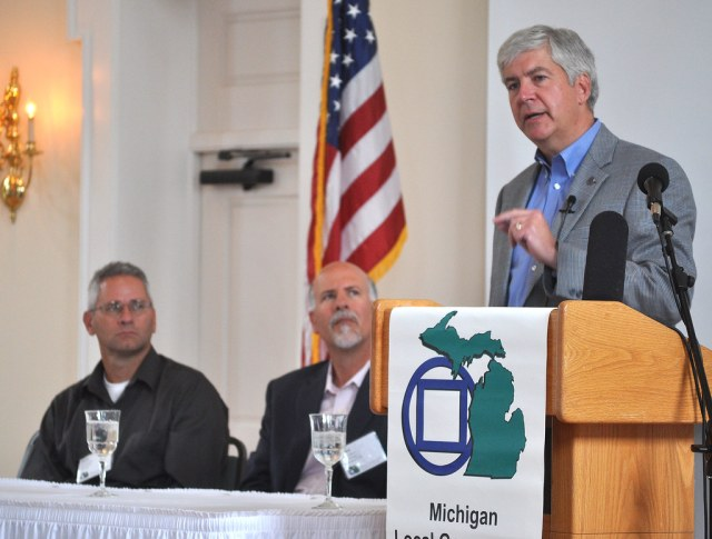 Michigan Governor Rick Snyder Talks to MLGMA Members in St. Joseph Michigan