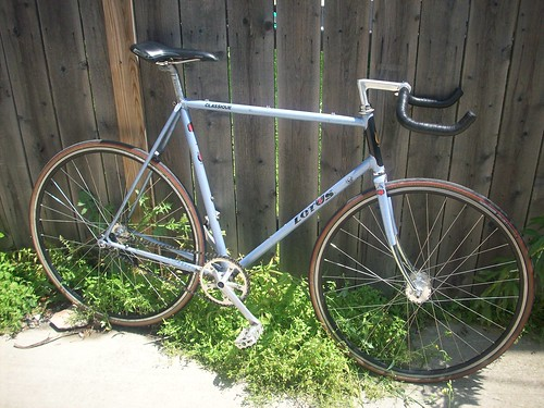 Lotus Classique Fixed Gear Conversion
