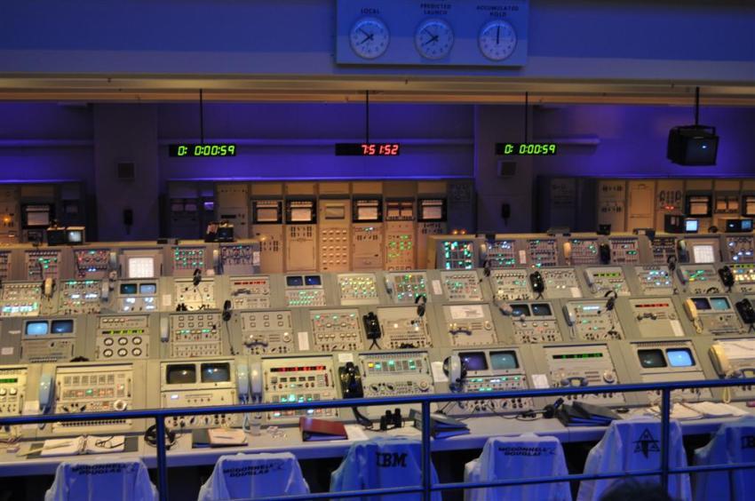 Sala desde la que se llevó el hombre a la luna en 1969 El último viaje del Transbordador Espacial desde Cabo Cañaveral El último viaje del Transbordador Espacial desde Cabo Cañaveral 5922341603 b26f01c6e7 o