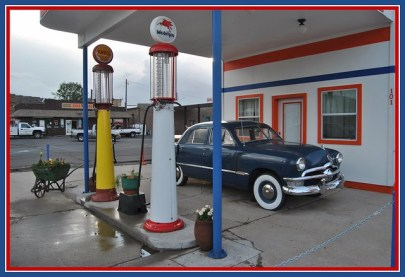 Pete's Route 66 Gas Station / Museum from Flickr via Wylio