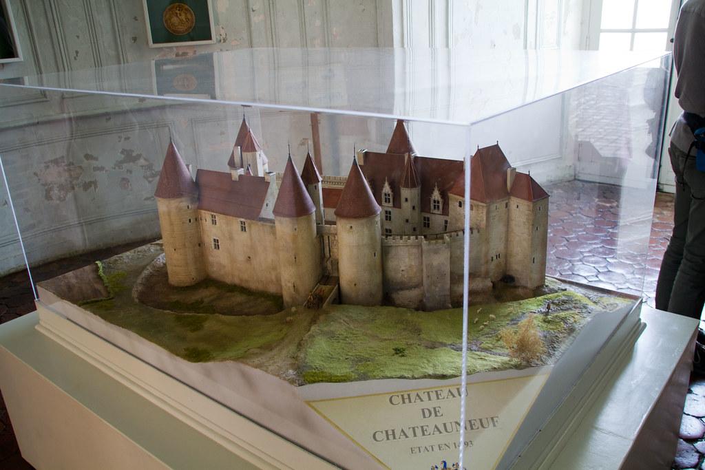 Châteauneuf 20110427-IMG_8792