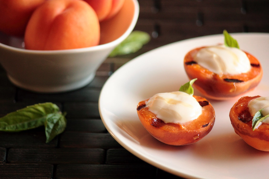 Grilled Apricots with Honey Greek Yogurt