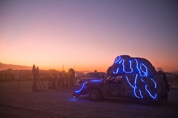 787BurningMan2011_MikeHedge_9645_7D