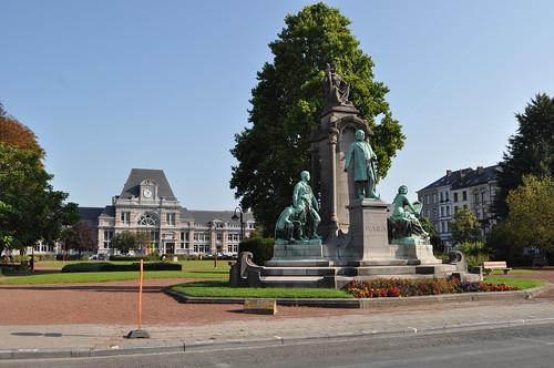 2011.09.25.029 TOURNAI - Place Crombez - Gare de Tournai