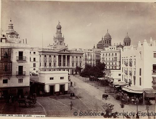 Cádiz, la plaza del pueblo