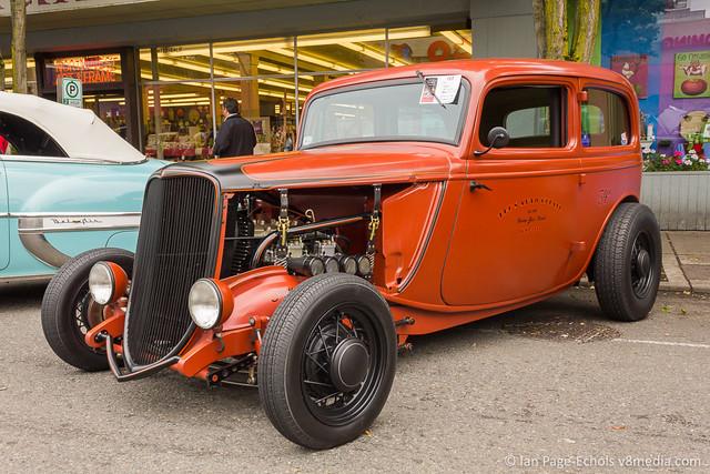 1934 Ford 2 dr Sedan Hot Rod, Low Shot - 2011-09-18