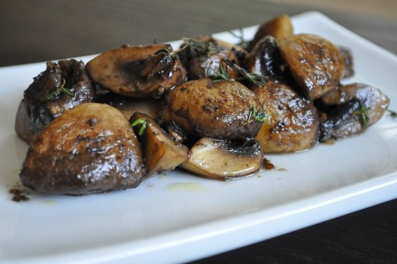 Garlic-Sherry Mushrooms