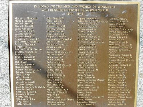 WOODBURY - WW2 MEMORIAL - 01a