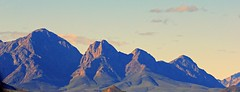 Breede river valley peaks in late afternoon