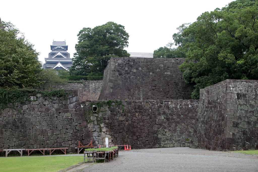 熊本城 石垣高過ぎ