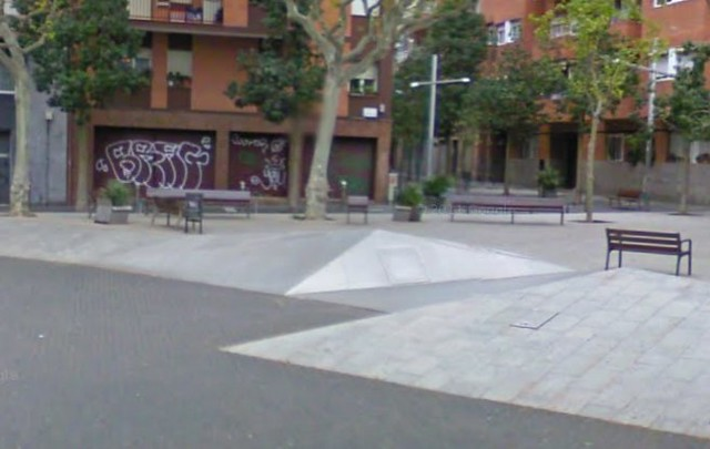 Barcelona Skate Spots - Google Maps-1