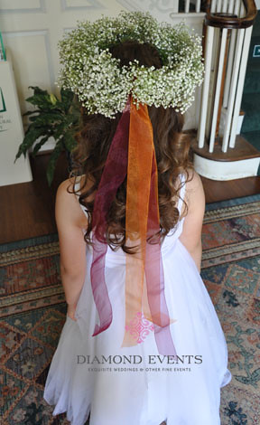 Flower girl halo made of Babysbreath
