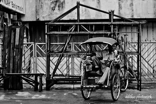 Black n White Rickshaw