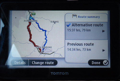 Rute jalan yang ditawarkan TomTom Go 2050