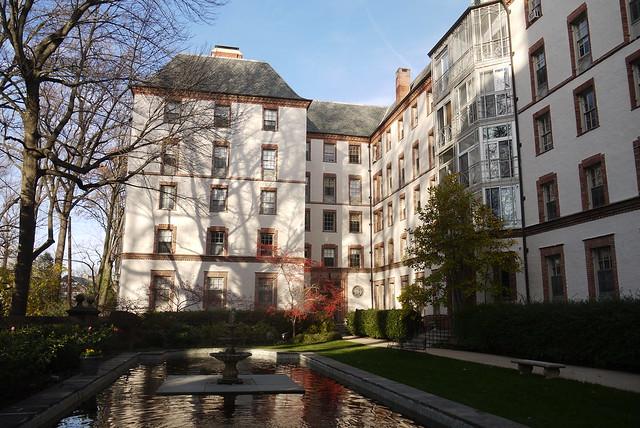 Apartments, Roland Park