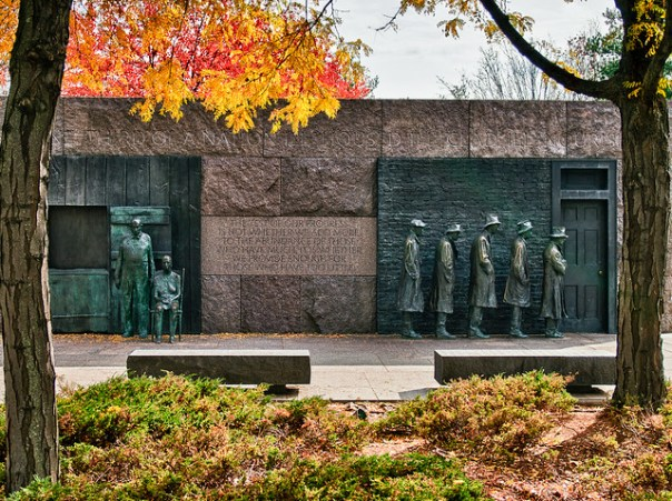 Breadline and fall color, Franklin Delano Roosevelt Memorial - Washington, DC