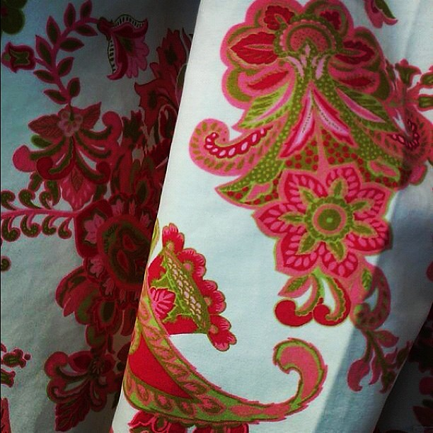 It's officially spring when I pull out my favorite paisley coat. A great @tjmaxx find from years ago.