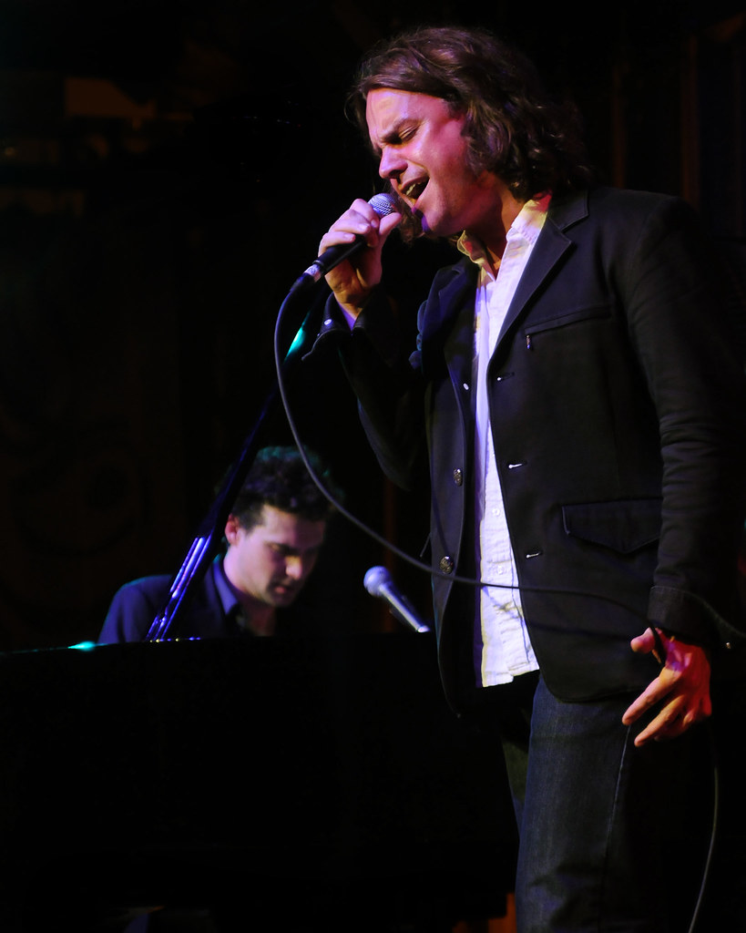 Singing Sam Cooke's