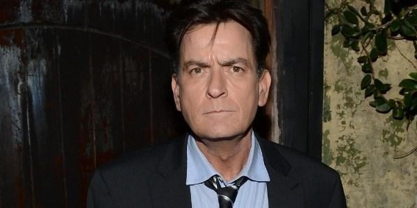 Sheen é processado por dívida de R$ 1 milhão e culpa gerente financeiro