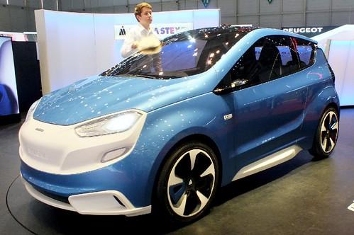 Magna Steyr Mila blue